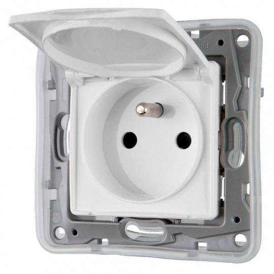 NILOÉ  zásuvka 1-násobná IP44 bílá